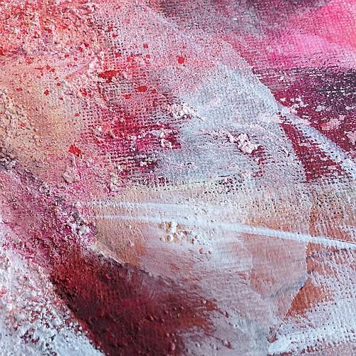 Texture et nuances de rouge, tableau abstrait, détail, fine art by Miryl